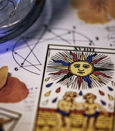 Oracles et tarologie